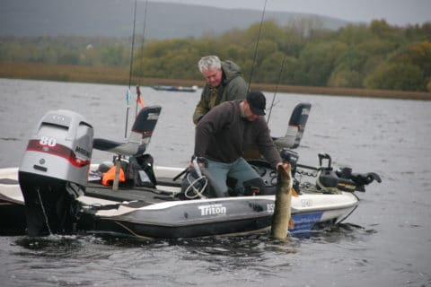 Borris Mollinard returning a    nice pike with Pascal Leherrissier from Brochet Sandre magazine in France at the Classic